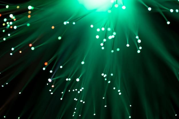 Gren odcienie świecących kanałów światłowodowych