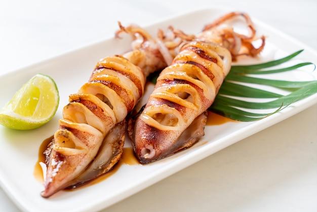 Grillowana kalmary z sosem teriyaki