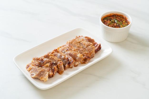 Grillowana karkówka z tajskim ostrym sosem do dipów