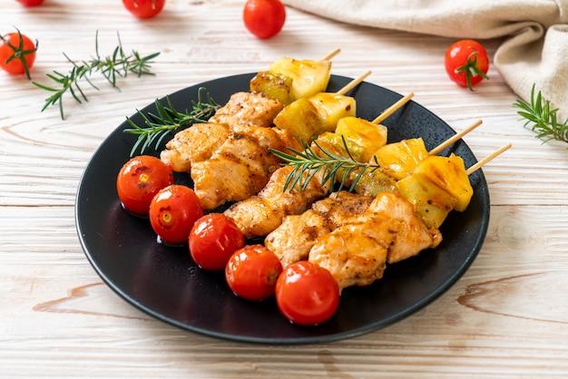 Grillowane szaszłyki z kurczaka