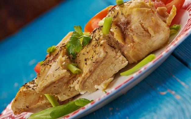 Grillowany kurczak miętowy z sałatką warzywną