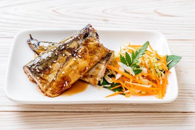 Grillowany stek rybny saba z sosem teriyaki