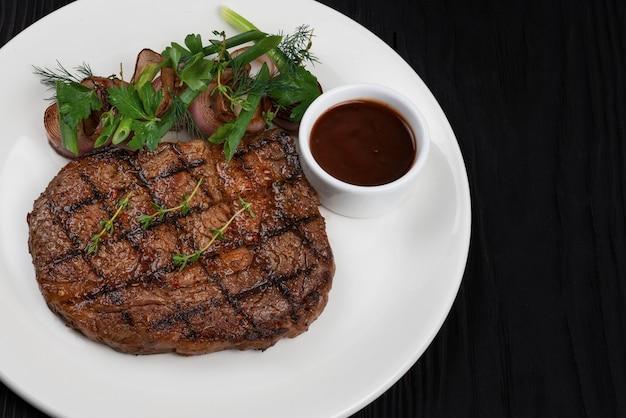 Grillowany Stek Z Czarnego Angusa Premium Zdjęcia