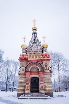 Grób książąt paskiewicza w okresie zimowym