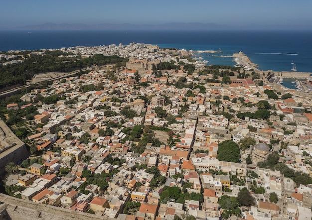 Gród rodos, grecja. widok z lotu ptaka z drona