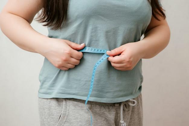 Gruba dziewczyna na diecie