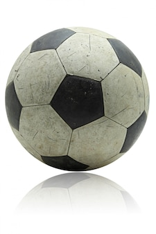 Grunge piłki nożnej futbol z swój odbiciem na bielu