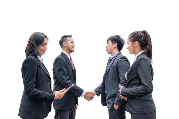 Grupa biznesmena z menedżerem co uścisk dłoni do porozumienia