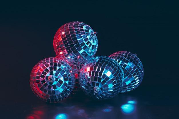 Grupa błyszczące kule disco