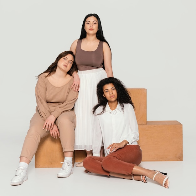 Grupa kobiet spędzających razem czas