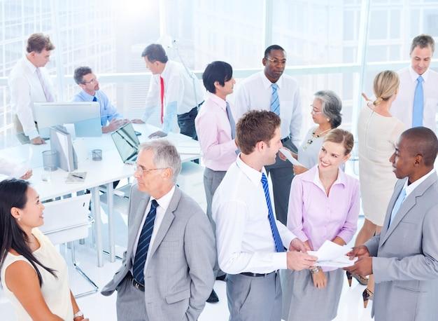 Grupa ludzi biznesu spotkanie