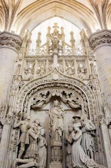 Grupa rzeźb z najświętszej marii panny w głównym kościele w bredzie