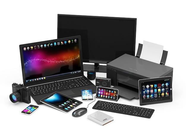 Grupa urządzeń biurowych z laptopem i tabletem
