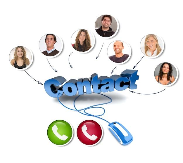 Grupa znajomych w rozmowie wideo ze słowem kontakt