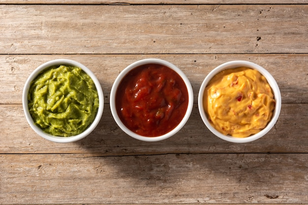Guacamole, papryczka chili i sos serowy