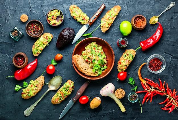 Guacamole, zimna meksykańska przekąska