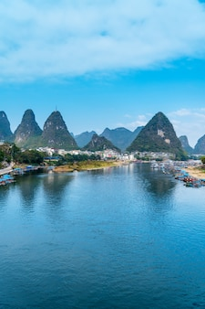 Guilin lijiang river krajobraz i wieś