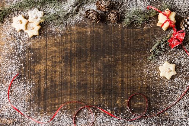 Gwiazdkowe ciasteczka z gałęzi drzewa jodły