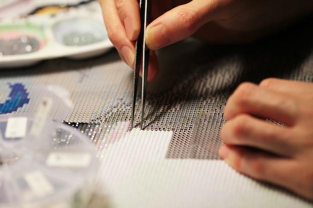 Haft diamentowy - nowy modny rodzaj hobby i sztuki