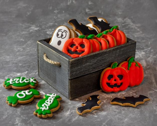 Halloween traktuje ciasteczka w pudełku duch dyni cukierek albo psikus