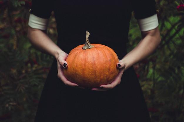 Halloween z rękami