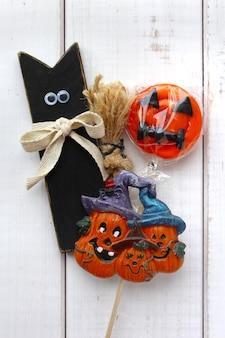 Halloweenowa kot cukierek bania