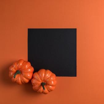 Halloweenowe banie z czarnym papierem