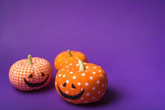Halloweenowe miękkie pomarańczowe banie