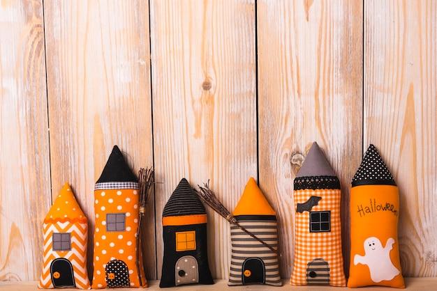 Halloweenowe miękkie wieże