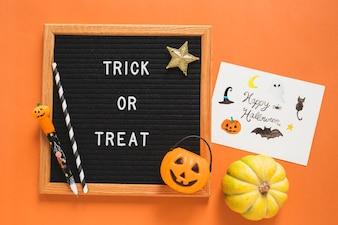 Halloweenowe symbole i rysować blisko ramy z writing
