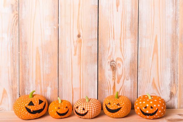 Halloweenowe szczęśliwe miękkie zabawki