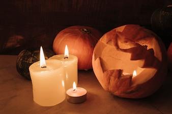 Halloweenowy skład z świeczkami
