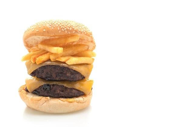 Hamburger lub burgery wołowe z serem i frytkami - na białym tle