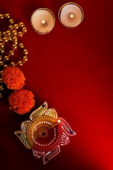 Happy Diwali Lub Happy Deepavali Kartka Z życzeniami Wykonana Przy Użyciu Zdjęcia Diya Lub Lampy Naftowej Premium Zdjęcia