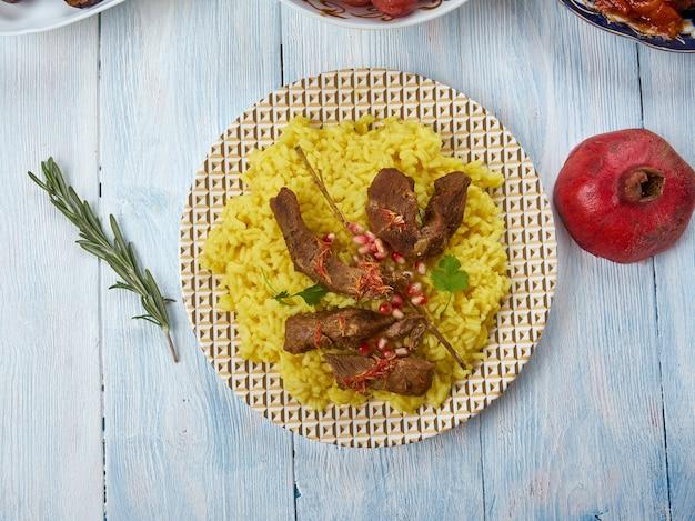 Havaskar qovurmasi , jagnięcina z szafranem, kuchnia azerbejdżańska, tradycyjne dania różne, widok z góry. danie żydów górskich.