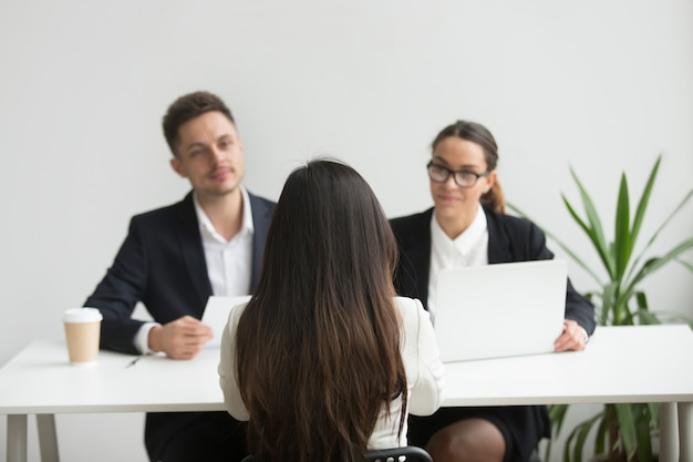 Headhunterzy przeprowadzili wywiady z kandydatką na kobietę