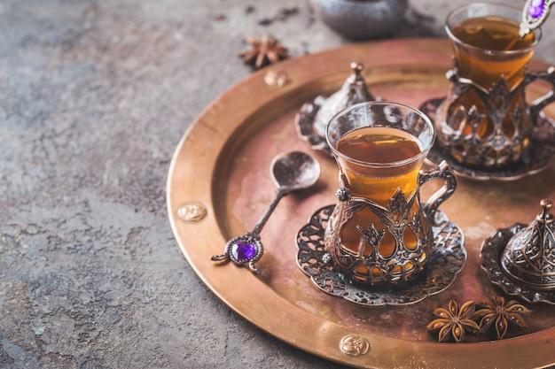Herbata turecka w tradycyjnym szkle