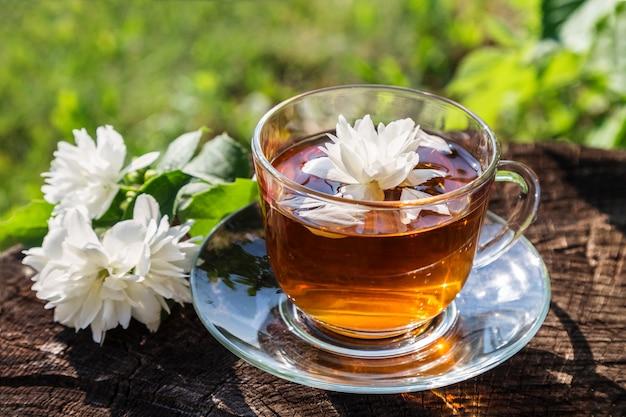 Herbata z jaśminem.