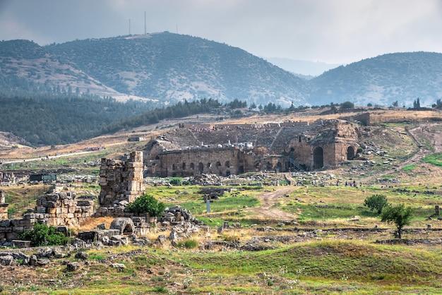 Hierapolis ancient theatre w pamukkale, turcja