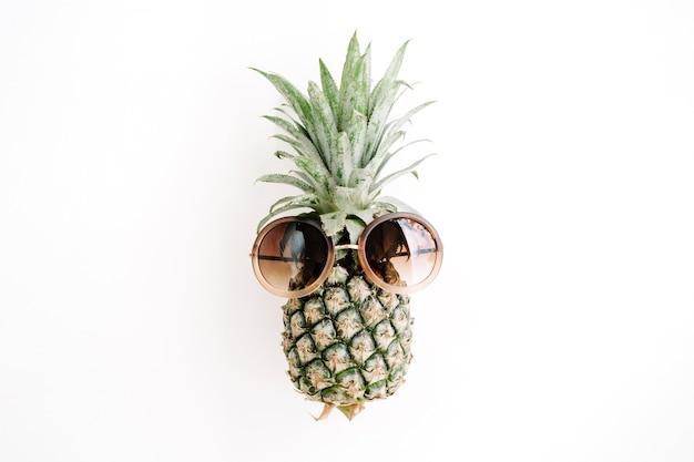 Hipster ananas w okularach przeciwsłonecznych
