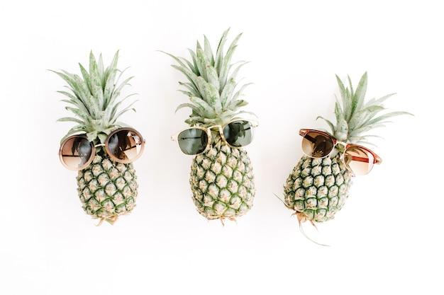 Hipster ananasy w okularach przeciwsłonecznych