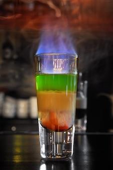 Hiroszima burning cocktail w barze