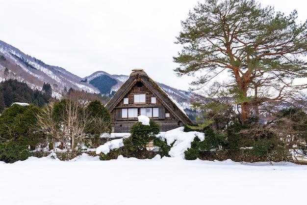 Historyczne wioski shirakawa-go w gifu, japonia