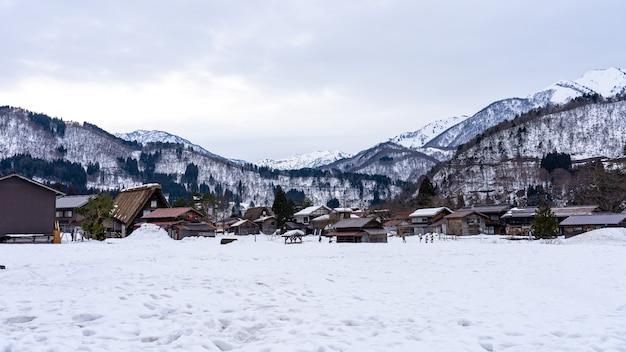 Historyczne wioski shirakawa-go w gifu w japonii
