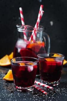 Hiszpańska sangria z pomarańczą i limonką