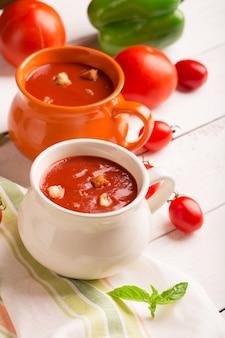 Hiszpańskie gazpacho pomidorowe
