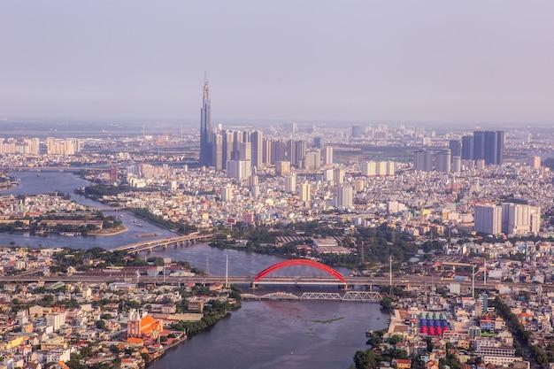 Ho chi minh city wieżowiec biurowy w wietnamie