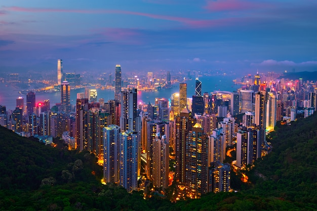 Hong kong drapaczy chmur linii horyzontu pejzażu miejskiego widok