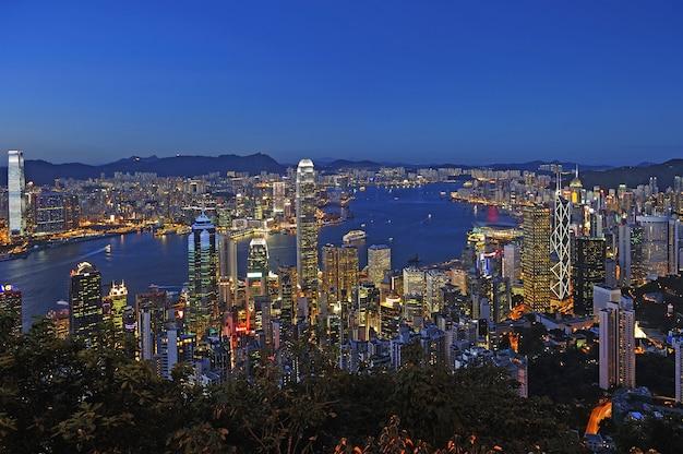 Hong kong pejzaż miejski w nocy
