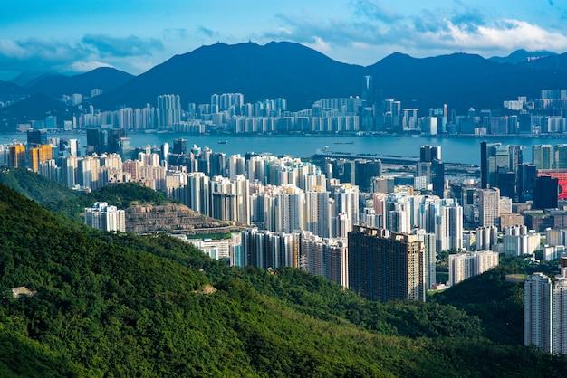 Hongkong z lotu ptaka o zmierzchu